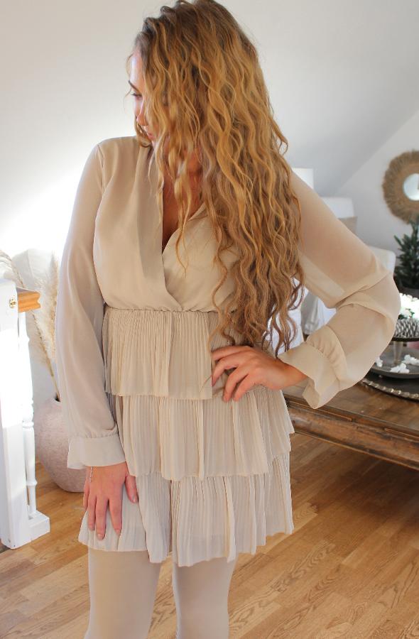 Jessy kjole med flæser 20313 beige